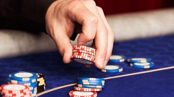 pokerhand-med-marker.jpg